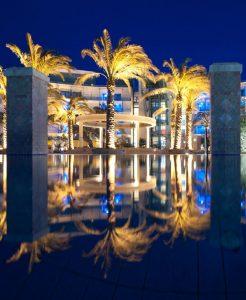 casino_loutraki_hotel_swimming_pool_beach_night_1_cover